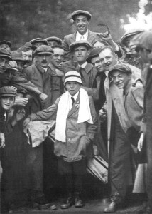 Francis Oiumet after winning the 1913 US Open. Campbell is below the horseshoe without a cap.